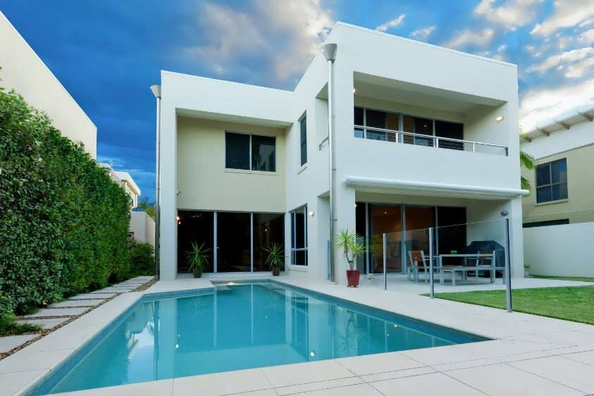 Should you buy an investment property in your own name or in a discretionary trust?